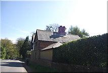 TQ4251 : House on Kent Hatch Rd by N Chadwick