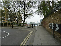 TQ2575 : Putney Bridge to Parsons Green and back via Hurlingham (177) by Basher Eyre