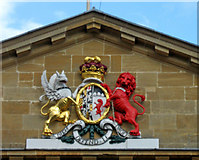 SP4416 : The Town Hall (3) - coat of arms, Woodstock by P L Chadwick