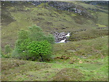 NH1282 : Waterfall on the Dundonnel River by Dave Fergusson