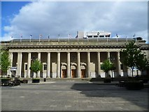 NO4030 : Caird Hall, City Square by kim traynor