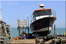 TR3752 : Maintenance on the Beach, Deal by Cameraman