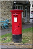 SP3509 : George V postbox, Market Square, Witney by P L Chadwick