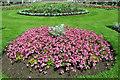 TQ1876 : Flowerbed, Kew Gardens, London by Christine Matthews
