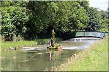 TL3707 : Dredging the New River, Broxbourne, Hertfordshire by Christine Matthews