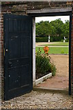 TQ1773 : Ham House: entrance to the formal garden by Christopher Hilton
