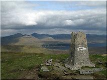 NH1462 : Summit area of Fionn Bheinn with trig point by Trevor Littlewood