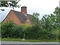 SP0436 : House at the corner, Wormington by Christine Johnstone