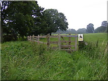 TG0723 : Footpath to The Grove by Adrian Cable