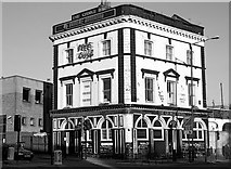 TQ3581 : The George Tavern, Stepney by Chris Whippet