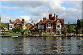 SU8586 : River Thames, Marlow, Buckinghamshire by Christine Matthews