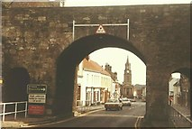 NT9953 : View through Scots Gate, Berwick-Upon-Tweed in 1984 by John Baker