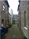 SK0573 : Alleyway, Buxton by Peter Barr