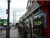 TA0831 : Newland Avenue, Hull by Ian S