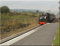 SO2508 : Whitehead arrives at Blaenavon (High Level) station by Jaggery
