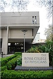 TQ2882 : The Royal College of Physicians by N Chadwick