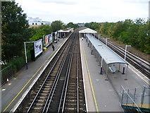 TQ2673 : Earlsfield station by Marathon