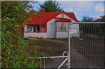 R8185 : Derelict bungalow, Dromineer by P L Chadwick