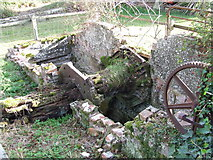 TL7745 : Part Of A Waterwheel by Keith Evans