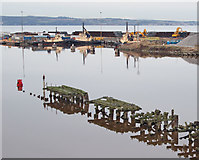 NT2677 : West Pier and sculpture, Leith Docks by Rob Burke