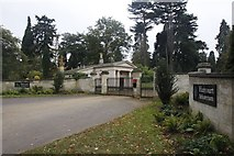 SU5598 : Lodge at the Gates by Bill Nicholls