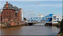 TA1029 : River Hull, Hull (3) by Stephen Richards