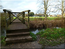SU4828 : Footbridge over the River Itchen at Ridding Meads by Shazz