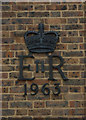 TQ2994 : Elizabeth II cypher, Southgate Delivery Office by Julian Osley