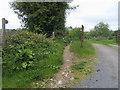 SO1527 : Footpath to Cwrt-y-prior by Shaun Ferguson