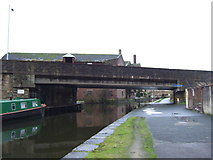 SE1437 : Bridge over Leeds and Liverpool Canal by JThomas