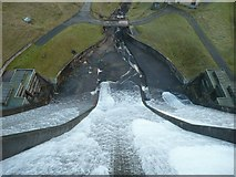 SE0118 : Baitings Reservoir spillway in action by Humphrey Bolton