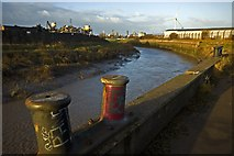 TA1031 : River Hull north of Stoneferry by Paul Harrop