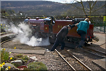 NY1700 : Turning Red Mite on the Ravensgarth Railway at Delegarth Station by Peter Skynner