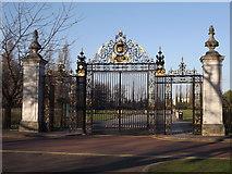 TQ2882 : Queen Mary's Garden Gates by Colin Smith