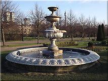 TQ2882 : Fountain, Avenue Gardens by Colin Smith