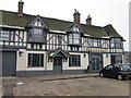 SU9490 : The Royal Saracens Head, Beaconsfield by Ian S