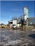 SO9988 : Tarmac's concrete plant - Oldbury by Richard Law