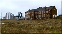 NS5566 : Former shipbuilders' offices by Lairich Rig