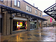SE0925 : Closed Peacocks store, Woolshops Shopping Centre, Halifax by Phil Champion