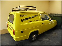 H6257 : Trotters Independent Trading Co. Van, Ballygawley by Kenneth  Allen