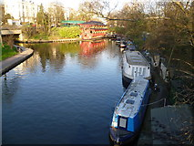 TQ2883 : The Regent's Canal and the Feng Shang Chinese Restaurant, Regent's Canal by Marathon