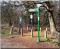 TQ4475 : Green Chain Signpost by Des Blenkinsopp