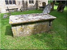 ST5308 : Chest tomb, St Mary's Church by Maigheach-gheal