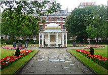 SJ3589 : Garden house, Abercromby Square, Liverpool by Stephen Richards