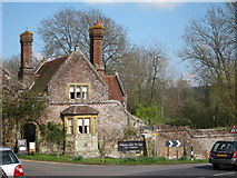 TQ5243 : The Gate House, Penshurst Place by Oast House Archive