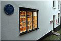 ST8622 : Shop Window, Gold Hill, Shaftesbury by Christine Matthews