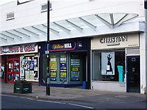 SP2871 : William Hill, Warwick Road, Kenilworth by John Brightley