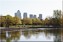 TQ3580 : Surrey Water and Canary Wharf by Martin Addison