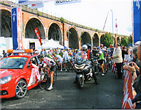 SO8455 : Tour of Britain 2008, Stage Start Worcester by Roy Hughes