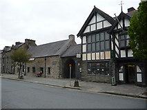 SH7400 : The sennedd-dy or parliament house of Owain Glyndwr in Machynlleth by Jeremy Bolwell